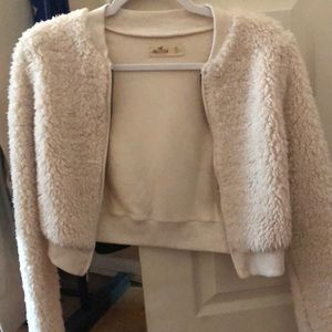 Hollister XS cropped Sherpa zip up sweater